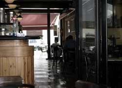 Terraza y salón interior de Los Clásicos del Café, Puerto del Carmen, Lanzarote