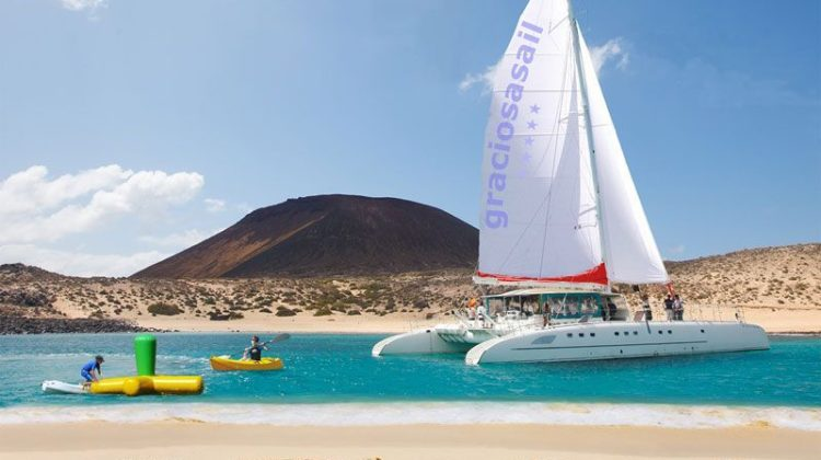 excursion en catamaran a la graciosa